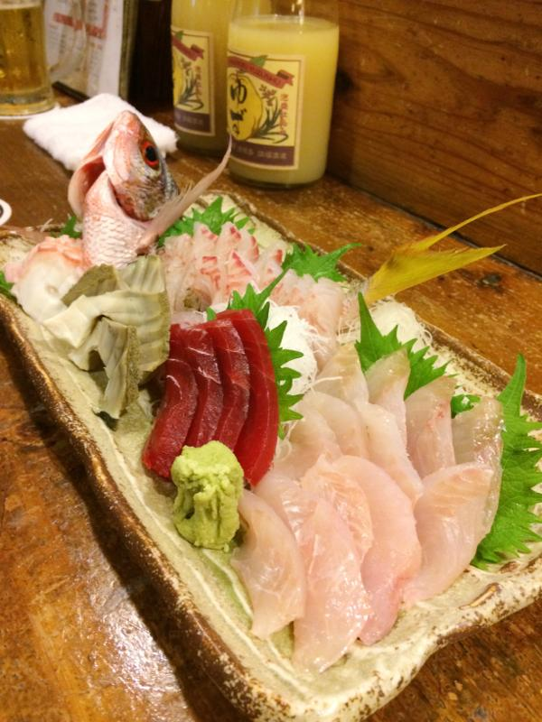 石垣島で船釣り大漁〜釣った魚を居酒屋に持ち込み^^