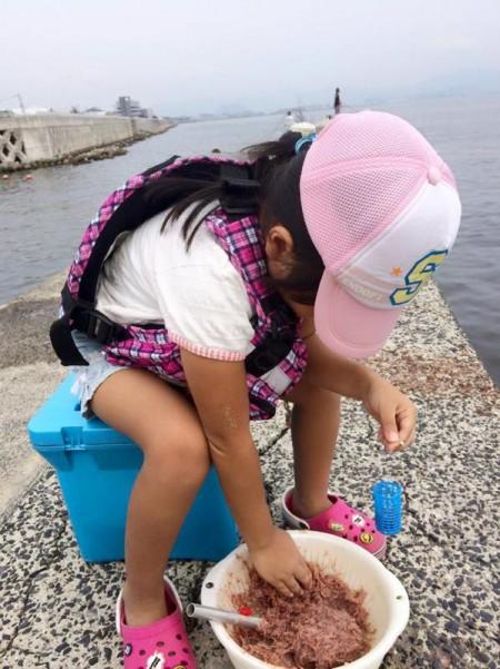 子供でも釣れるファミリーフィッシングと釣果-簡単なアジ釣り2